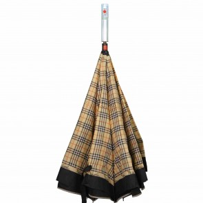 umgedrehter LED Regenschirm braun kariert leuchtender blinkender Mehrfarben Stockschirm mit Taschenlampe im Griff
