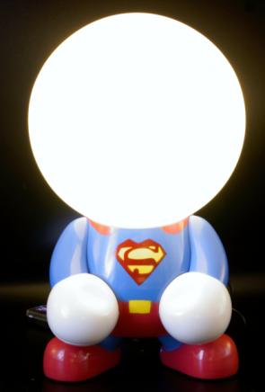 niedliche LED-Lampe Superheld wiederaufladbare Nachttischlampe Tischlampe Kinderzimmer Wohnlicht