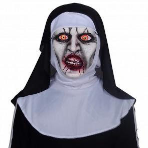 Nonne mit Blut Maske